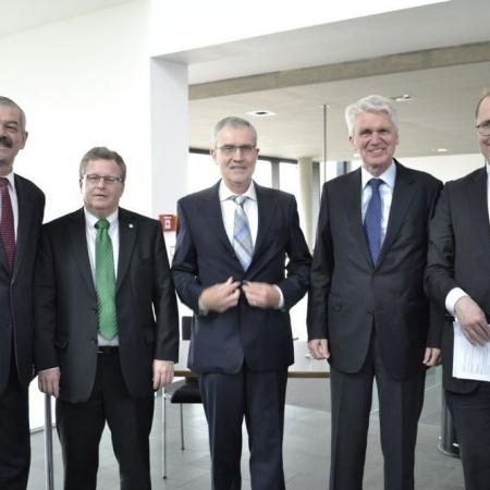 v.l.n.r.: G. Schork (MdL), F. Hartmann (MIT-Landesvorsitzender), W. Winkler (MIT-Kreisvorstand), Dr. Schlarmann (MIT-Bundesvorsitzender), Dr. Wiemers (Handwerkskammer Frankfurt/Rhein-Main)